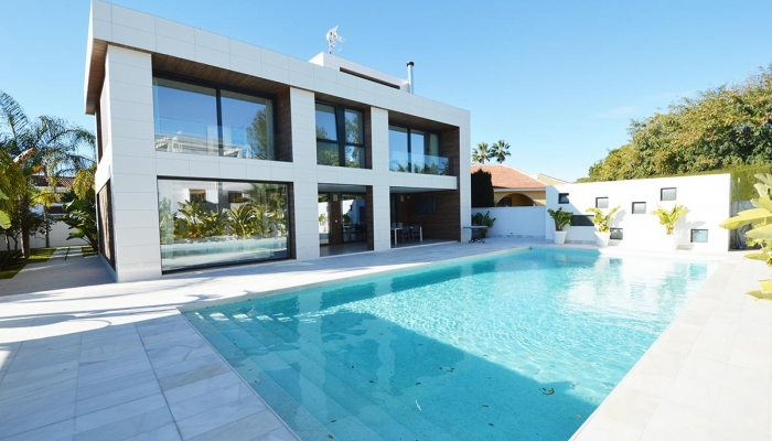 LUXURY VILLA IN CAMPOAMOR FOR SALE