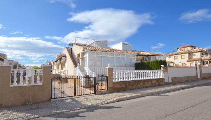 BEAUTIFUL BUNGALOW FOR SALE IN CABO ROIG - LA REGIA.